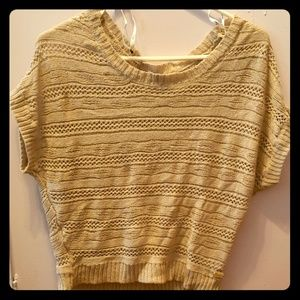 Tee shirt/sweater